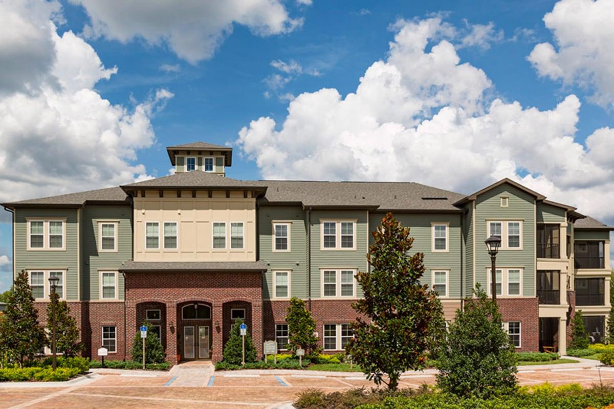 Bell Partners Acquires Florida Apartment Community in Metro Orlando Area