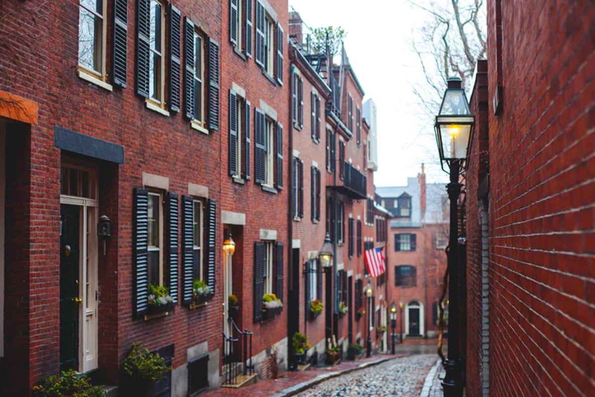 Bell Partners Acquires Apartment Community in Metro Boston Area