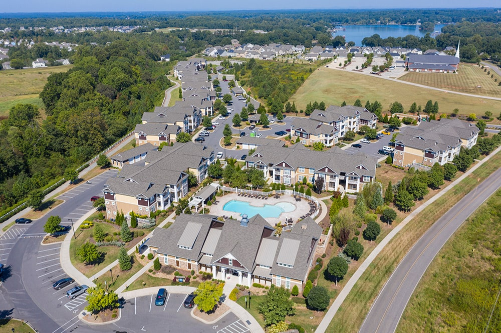Bell Partners Acquires 260-Unit Apartment Community in Mooresville, N.C.