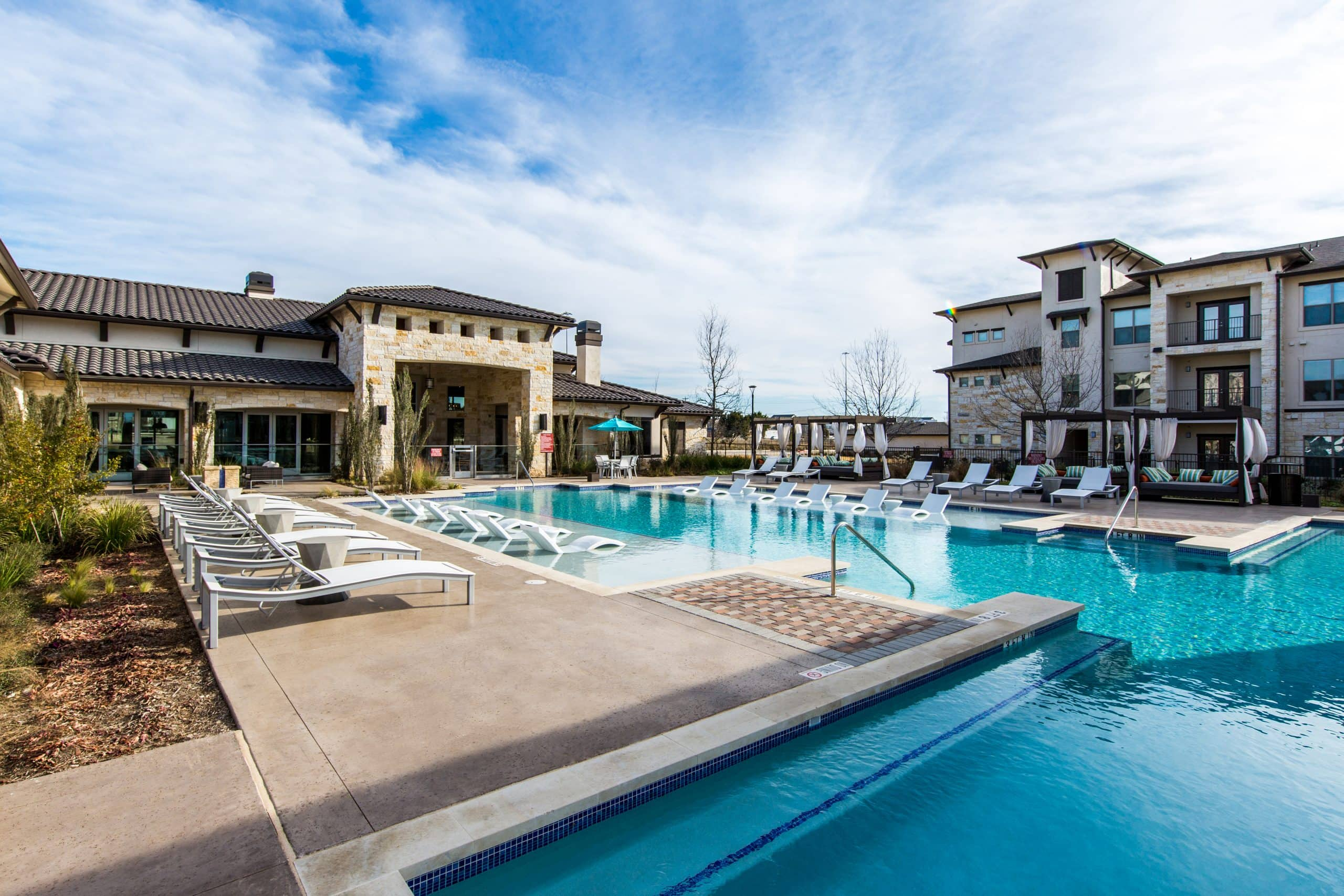 Bell Partners Acquires Two Austin Properties to Create 949 Unit Multifamily Community